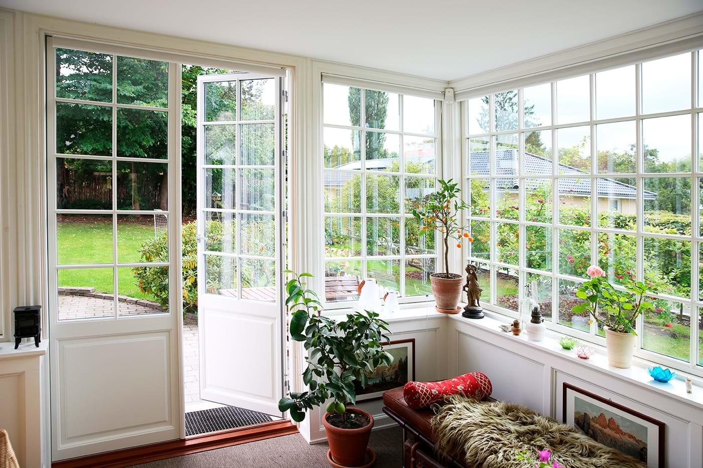Vinduesdøre med smalle rammer og karme - Skab harmoni i hjemmet - Outrup