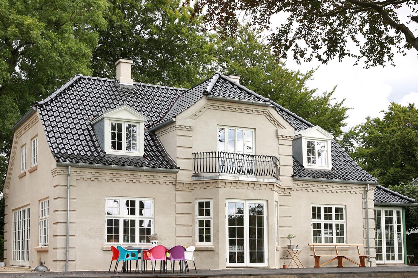Vinduer med sprosser i klassisk og gammeldags dansk stil - Outrup